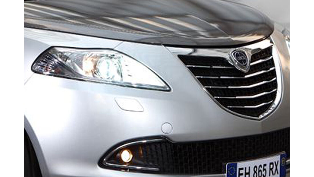 Lancia Ypsilon, Scheinwerfer, Kühlergrill