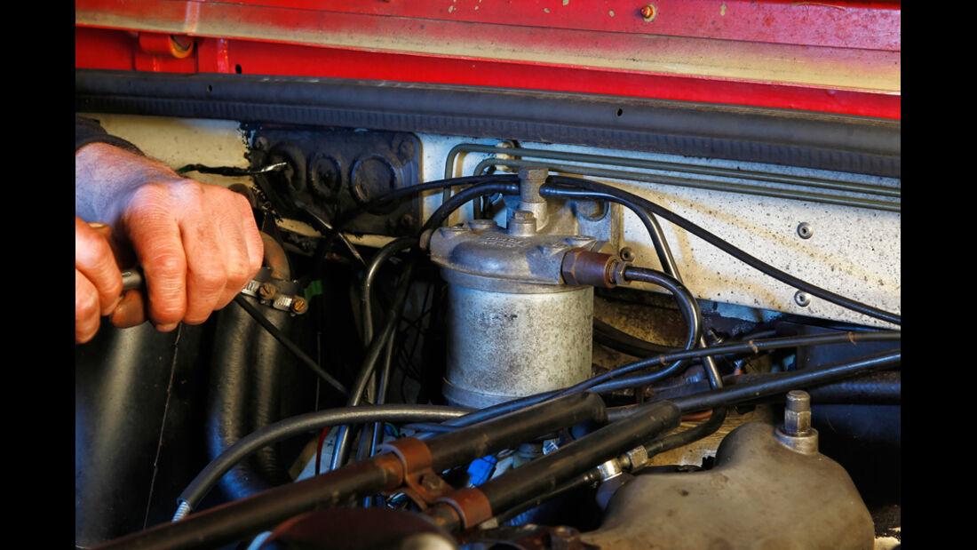Land Rover 90, 110, Defender, Detail, Kraftstofffilter, Spritzwand