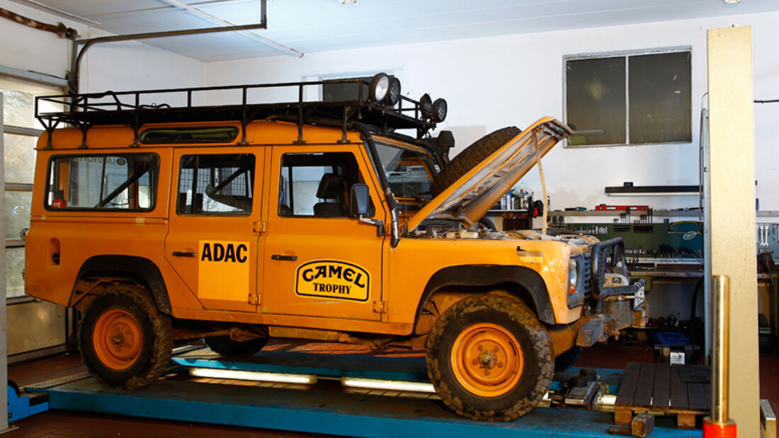 Land Rover 90, 110, Defender, Seitenansicht, Werkstatt