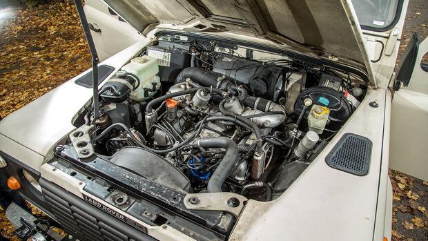 Land-Rover-90-V8-Motor