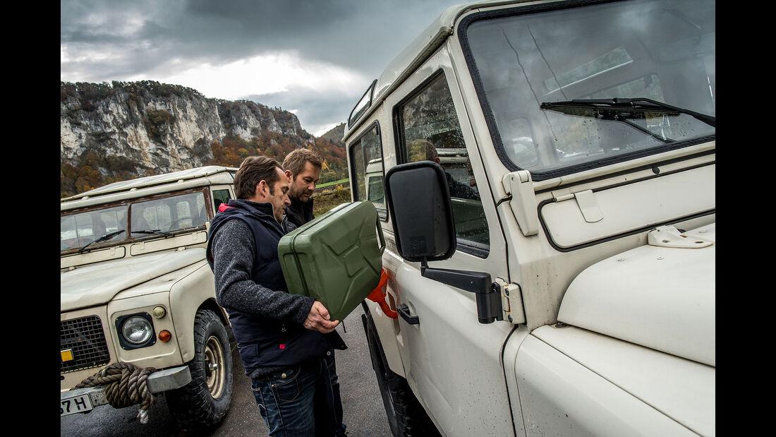 Land-Rover-90-V8-und-Range-Rover-I-V8-im-Fahrbericht