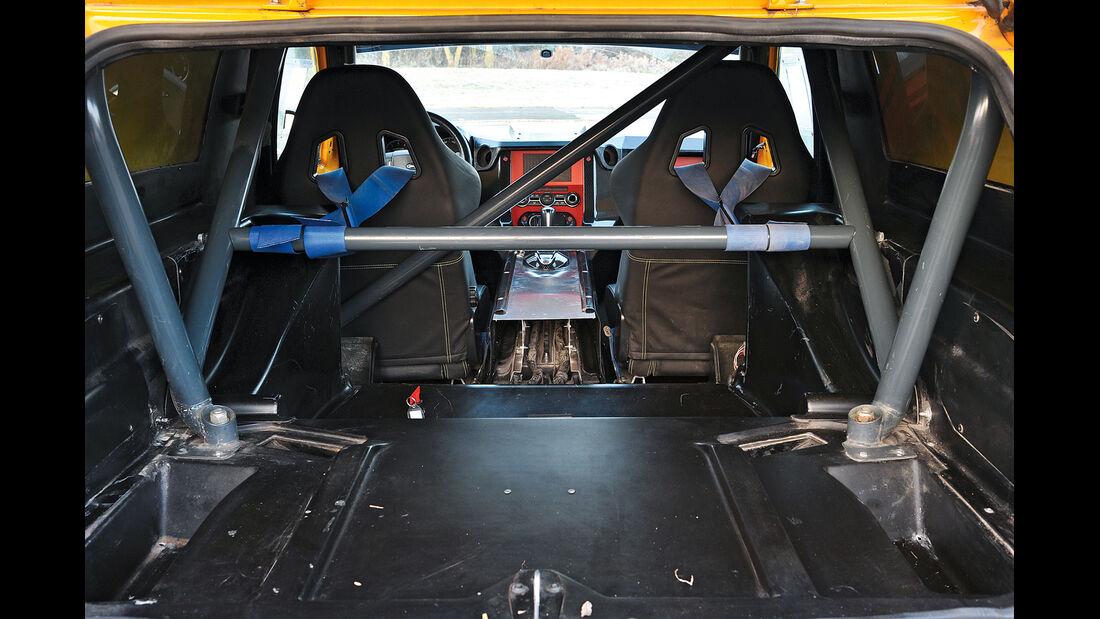 Land Rover Bowler EXR-S, Überrollkäfig