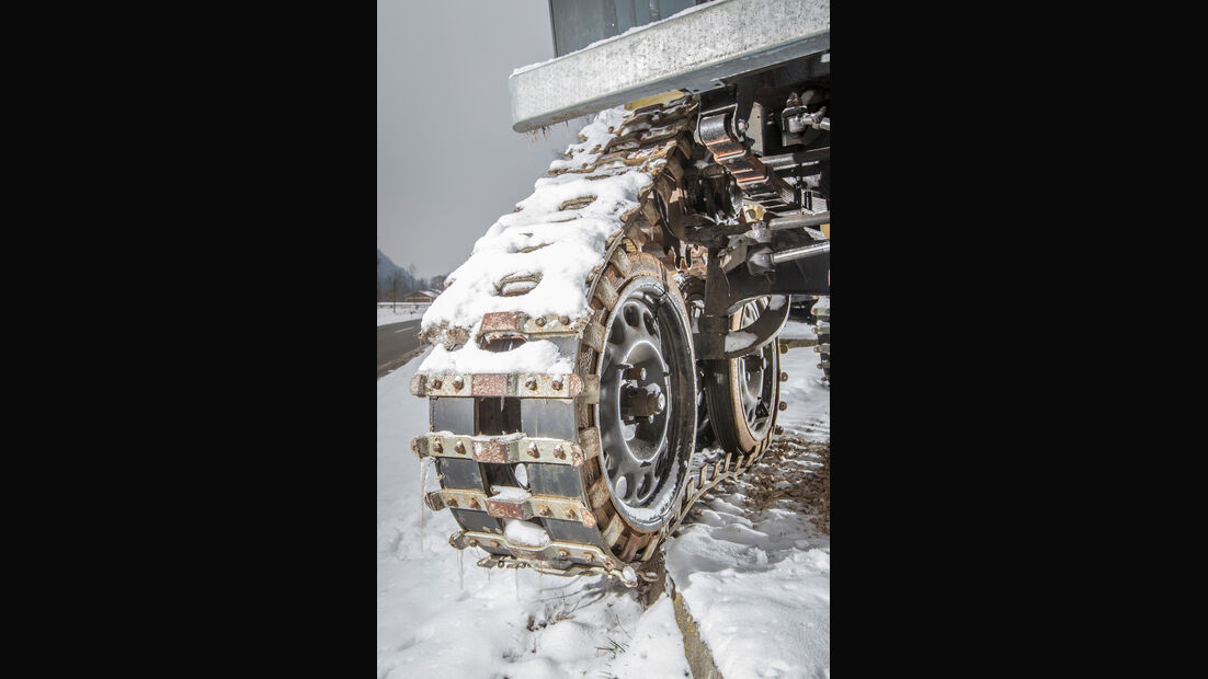 Land Rover Cuthbertson, Kettenrad