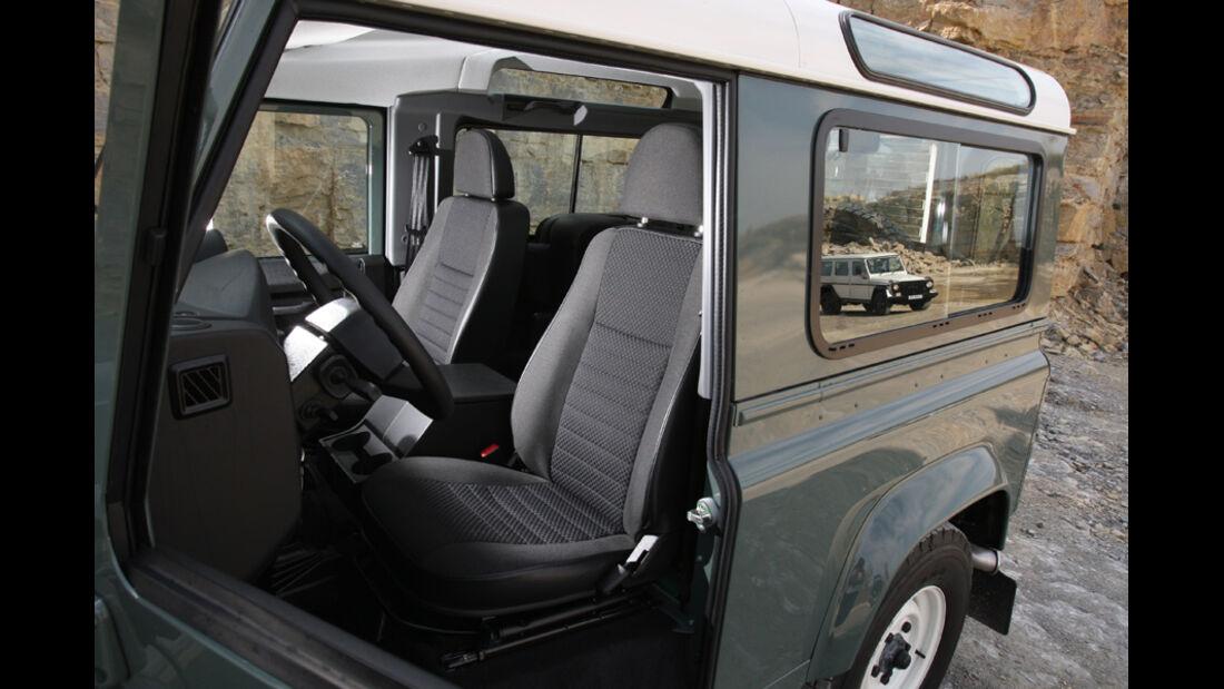 Land Rover Defender 90 TD4 - Innenraum, Vordersitze