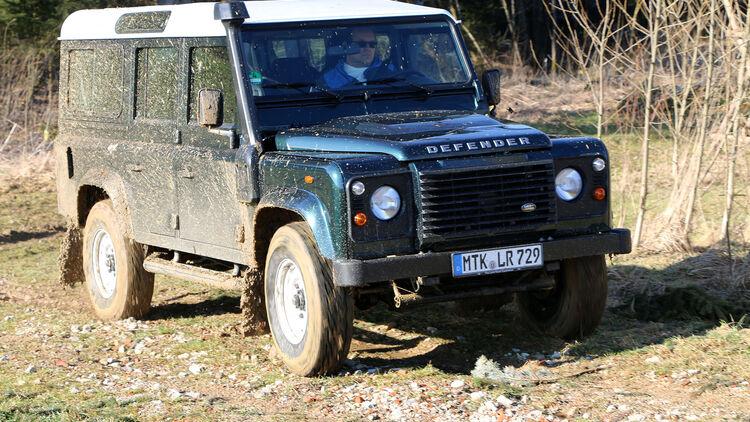 Test Land Rover Defender 110: Ein letzter Tanz mit dem Relikt   AUTO MOTOR  UND SPORT