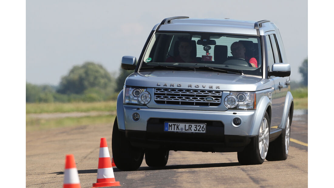 Land Rover Discovery SDV 6, Frontansicht, Slalom