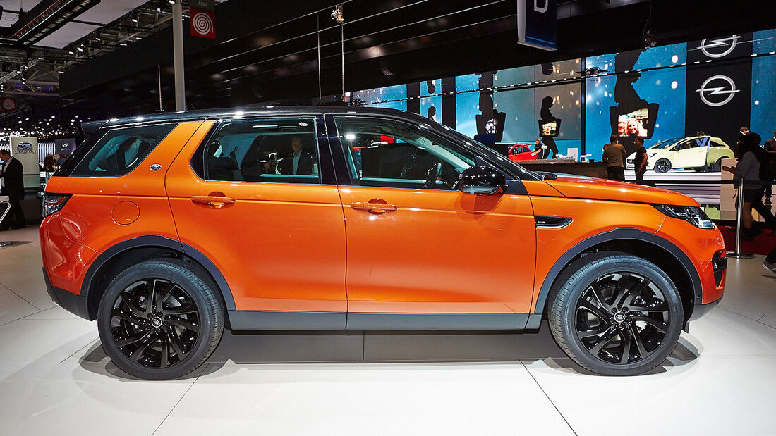 Land Rover Discovery Sport in Paris
