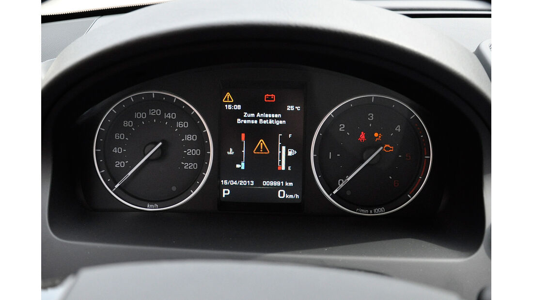 Land Rover Freelander 2.2 TD4, Cockpit, Instrumente