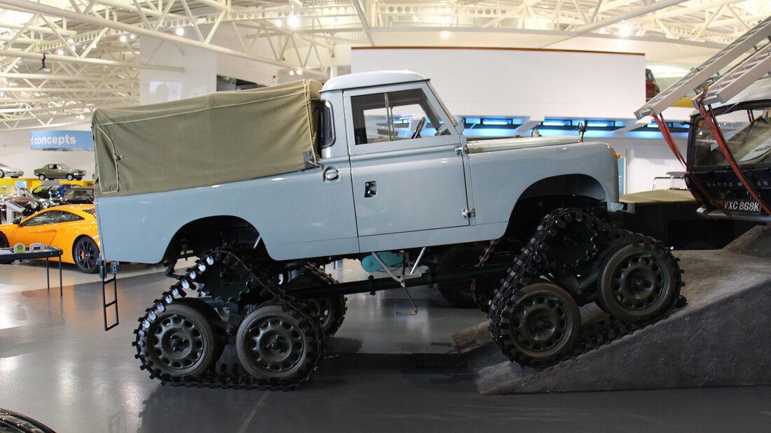 Land Rover Series II Cuthbertsons Conversion im British Motor Museum