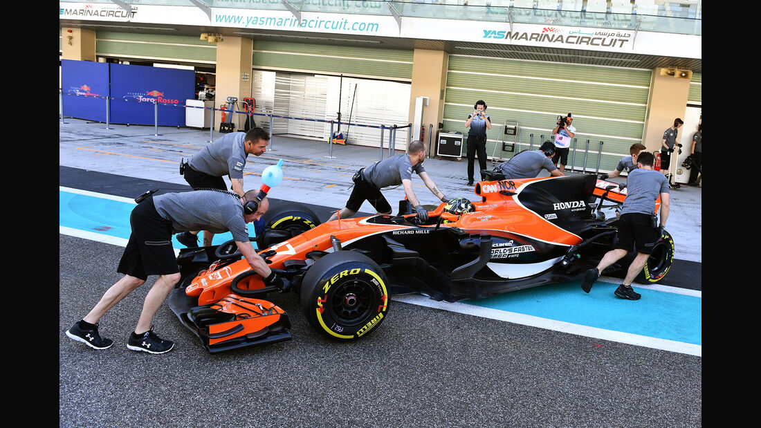 Lando Norris - McLaren - Formel 1 - Abu Dhabi - Test 2 - 29. November 2017