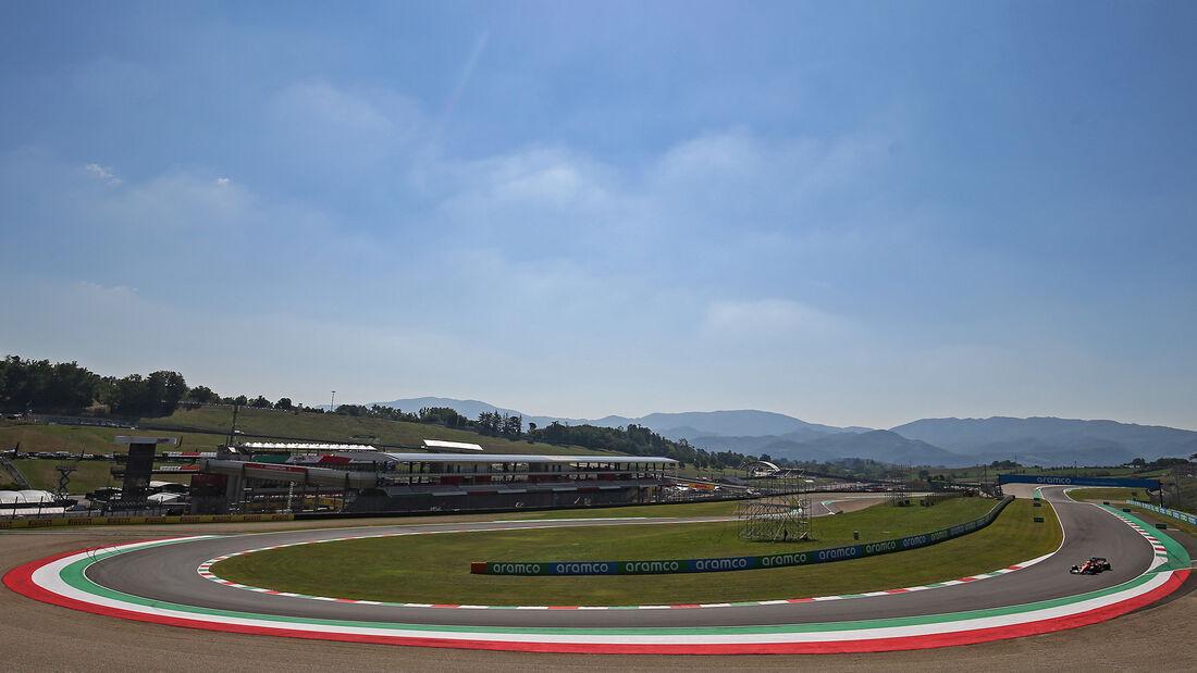 [Imagen: Lando-Norris-McLaren-Formel-1-GP-Toskana...722702.jpg]