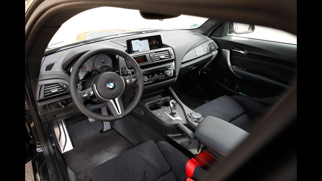 Laptime Performance-BMW M2, Cockpit