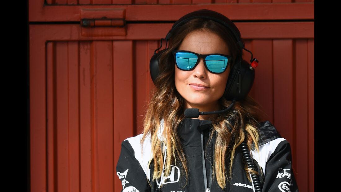 Lara Alvarez - Freundin von Fernando Alonso - Formel 1-Test - Barcelona - 23. Februar 2016