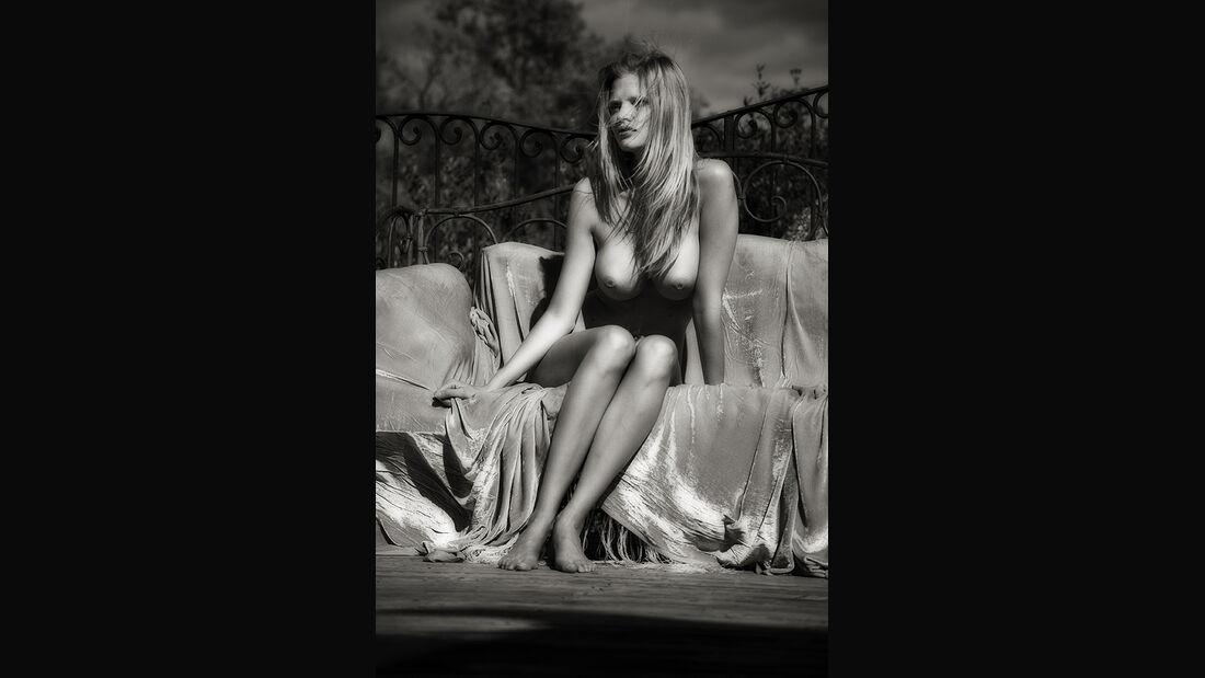 Lara Stone, Pirelli Kalender 2012