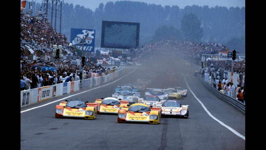 Le Mans Start Porsche Jaguar