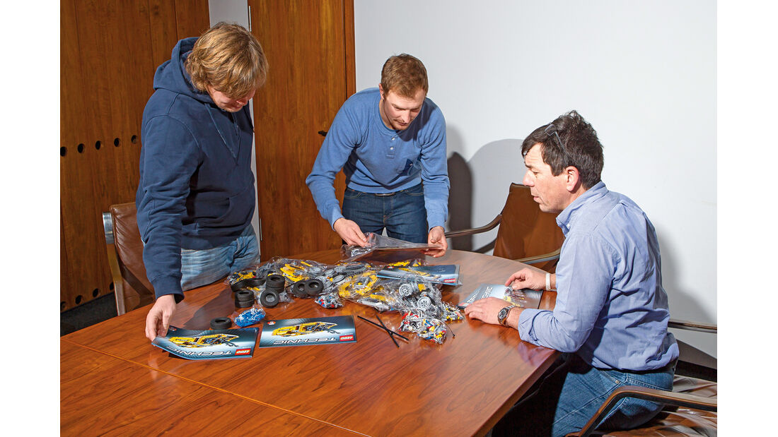Lego-Technik, Aufbau, Team