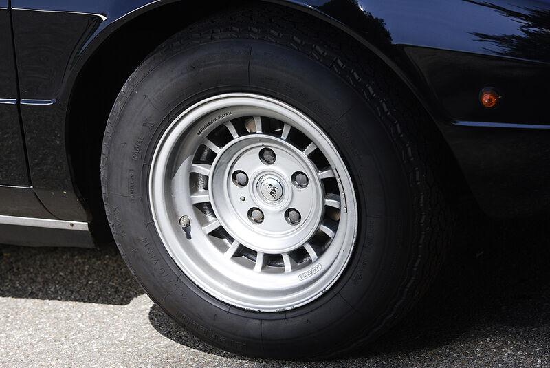 Leichtmetallfelge des Lamborghini Urraco P 300