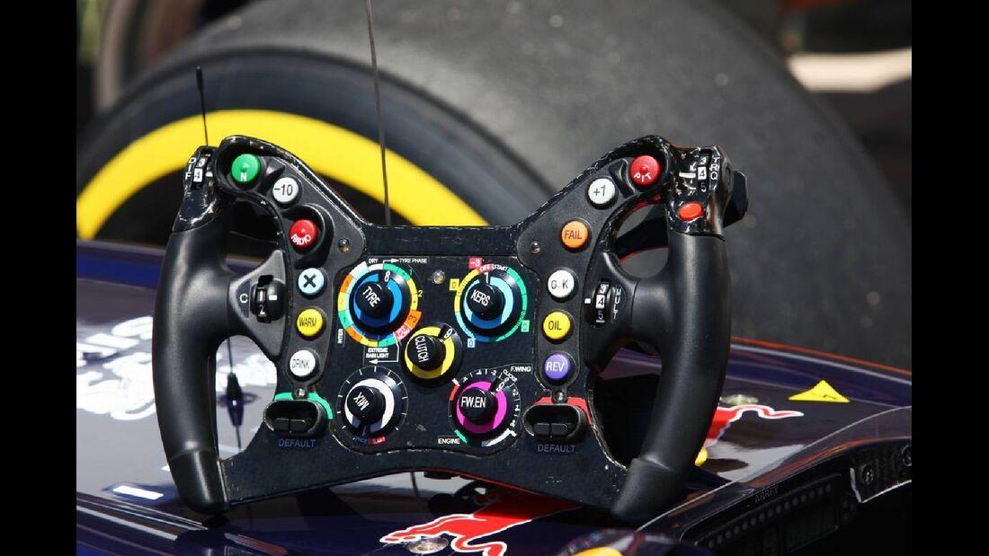 Lenkrad  - Formel 1 - GP Europa - 23. Juni 2012
