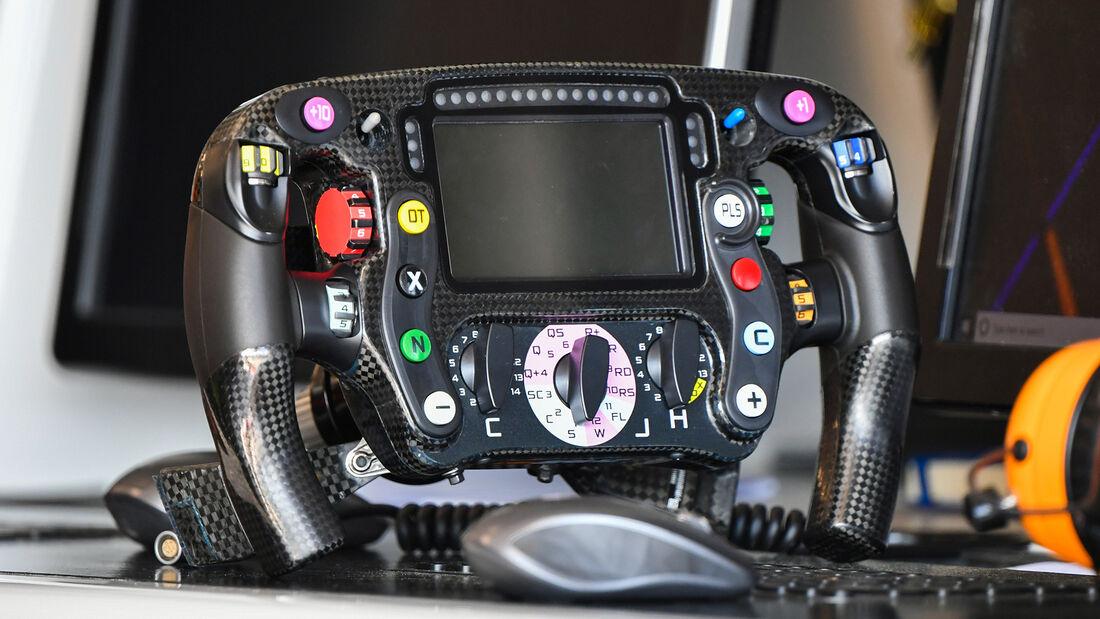 Lenkrad - McLaren - F1-Test - Barcelona - 19. Februar 2020
