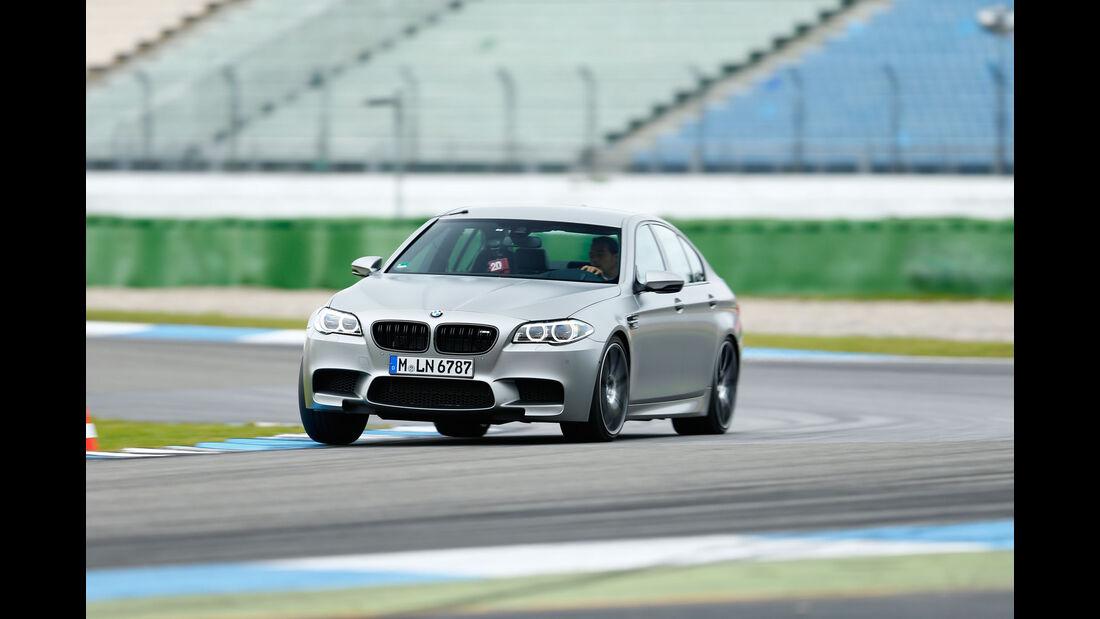 Leserwahl sport auto-Award F 058 - BMW M5 30 Jahre