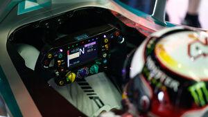 Lewis Hamilton - Cockpit - 2014
