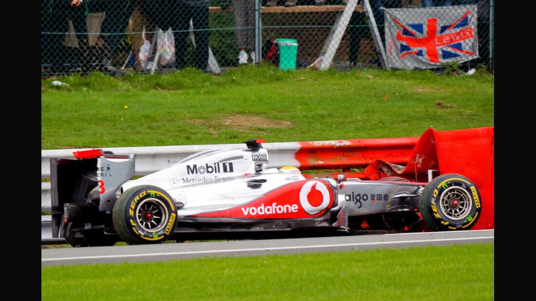 Lewis Hamilton Crash Rennen GP Belgien 2011
