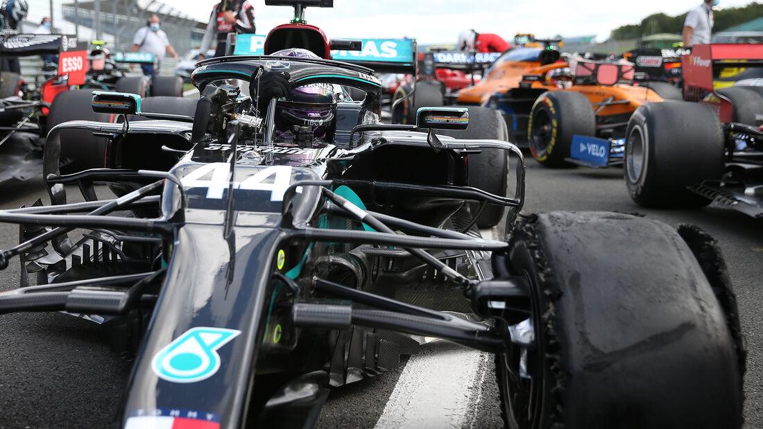 [Imagen: Lewis-Hamilton-GP-England-2020-169Galler...711604.jpg]