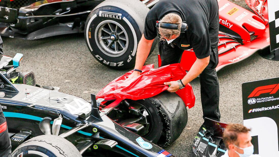 [Imagen: Lewis-Hamilton-GP-England-2020-169Galler...711611.jpg]