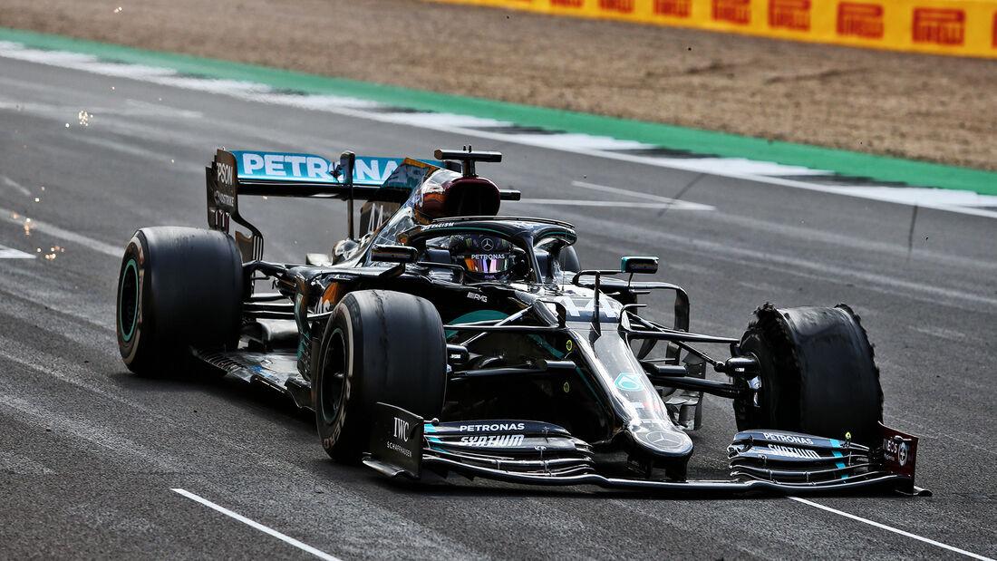 [Imagen: Lewis-Hamilton-GP-England-2020-169Galler...711601.jpg]