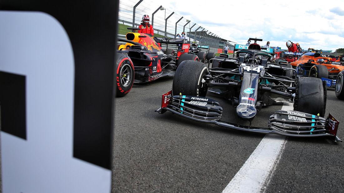 [Imagen: Lewis-Hamilton-GP-England-2020-169Galler...711603.jpg]
