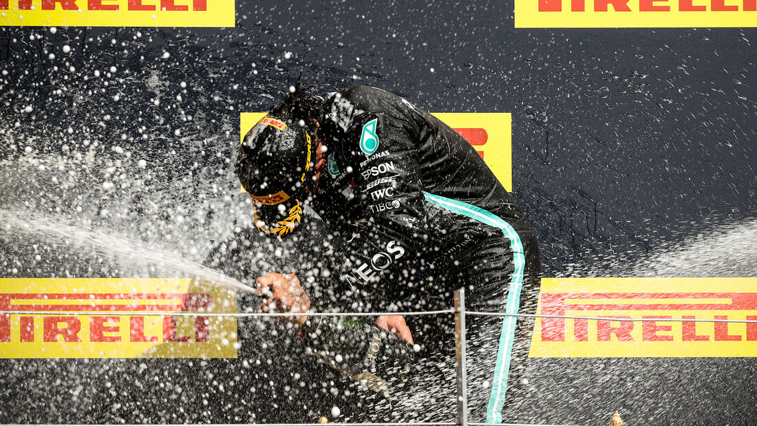 [Imagen: Lewis-Hamilton-GP-England-2020-169Galler...711615.jpg]
