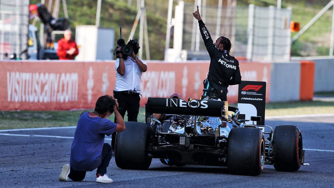 [Imagen: Lewis-Hamilton-GP-Toskana-Mugello-2020-1...722767.jpg]