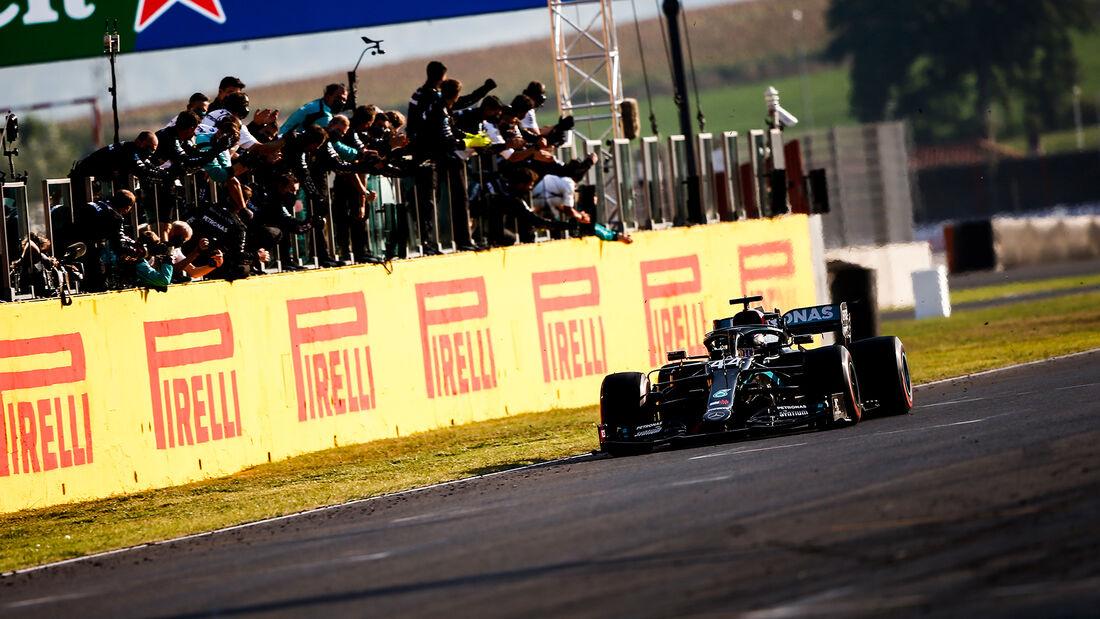 [Imagen: Lewis-Hamilton-GP-Toskana-Mugello-2020-1...722765.jpg]