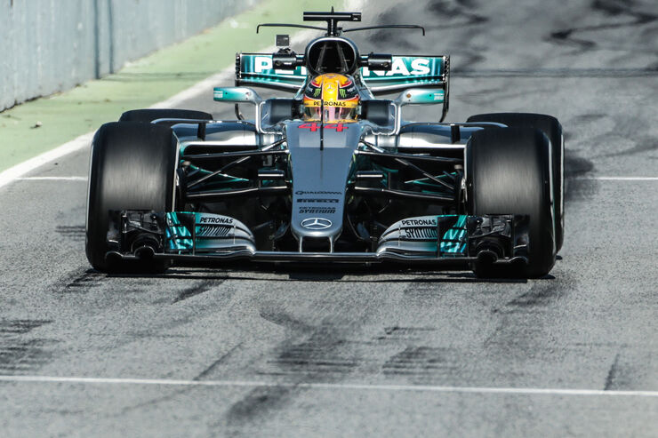 https://imgr1.auto-motor-und-sport.de/Lewis-Hamilton-Mercedes-F1-Test-Barcelona-27-Februar-2017-fotoshowBig-40b088ca-1009537.jpg