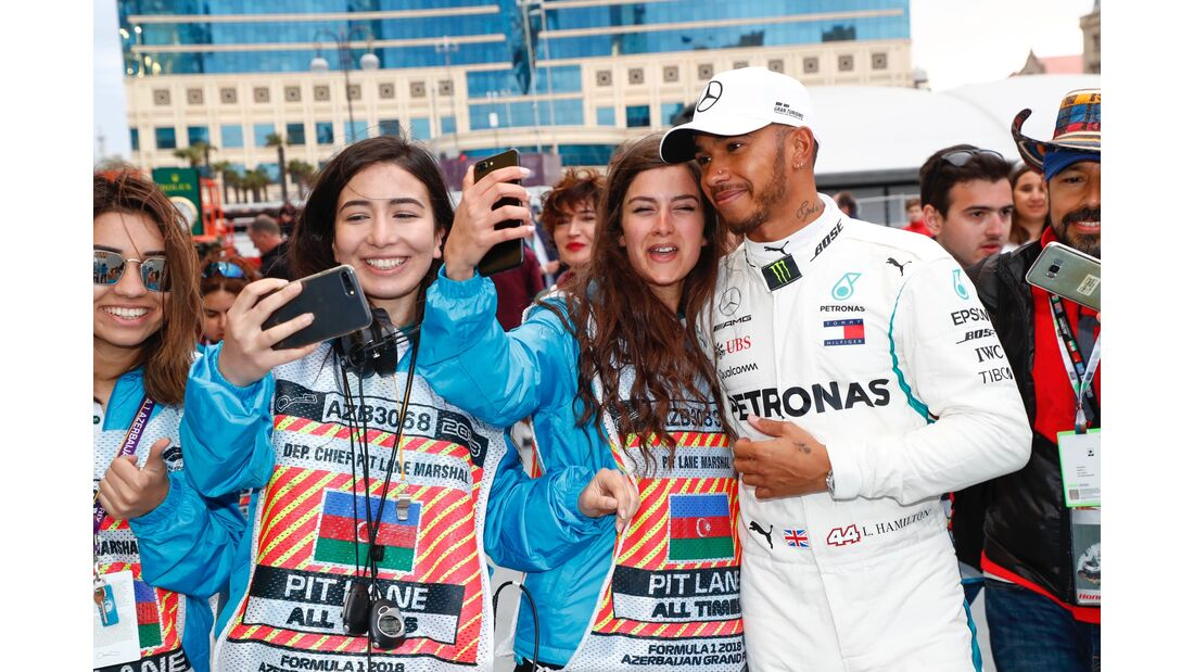 Lewis Hamilton - Mercedes - Fans - Formel 1 - GP Aserbaidschan - 29. April 2018
