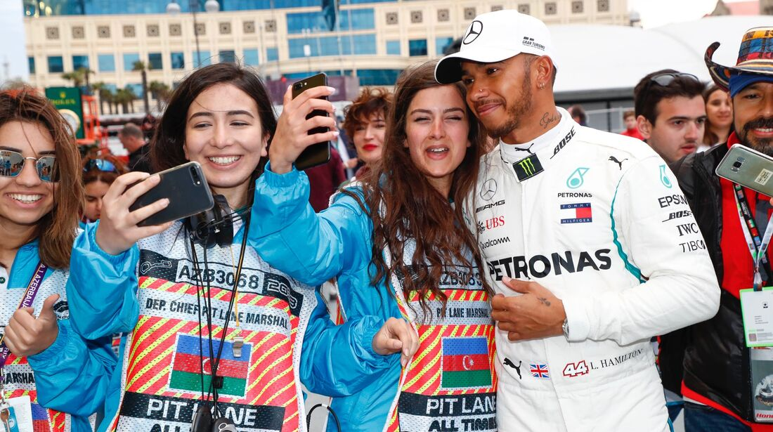 Lewis Hamilton - Mercedes - Fans - Formel 1 - GP Aserbaidschan - 29. April 2018