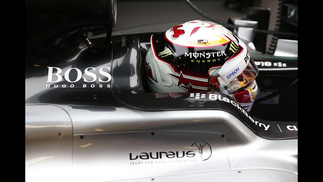 Lewis Hamilton - Mercedes - Formel 1 - GP China - Shanghai - 10. April 2015