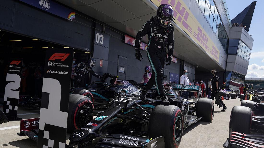 [Imagen: Lewis-Hamilton-Mercedes-Formel-1-GP-Engl...711450.jpg]