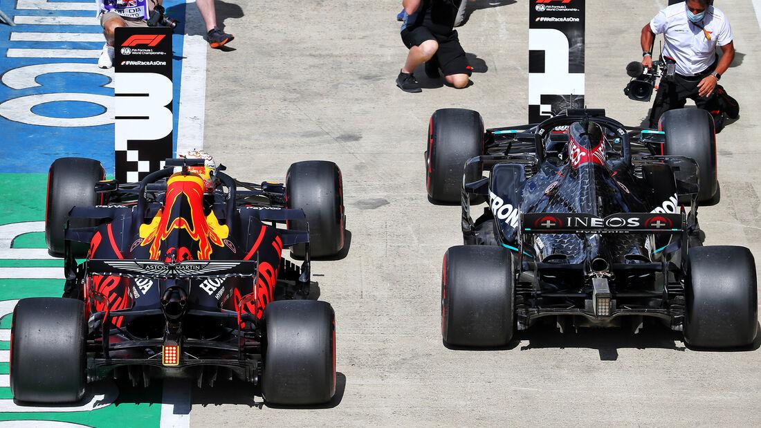 [Imagen: Lewis-Hamilton-Mercedes-Formel-1-GP-Engl...711425.jpg]