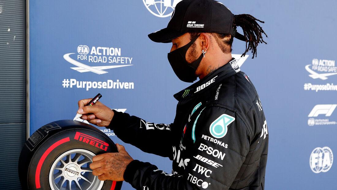 [Imagen: Lewis-Hamilton-Mercedes-Formel-1-GP-Engl...711466.jpg]