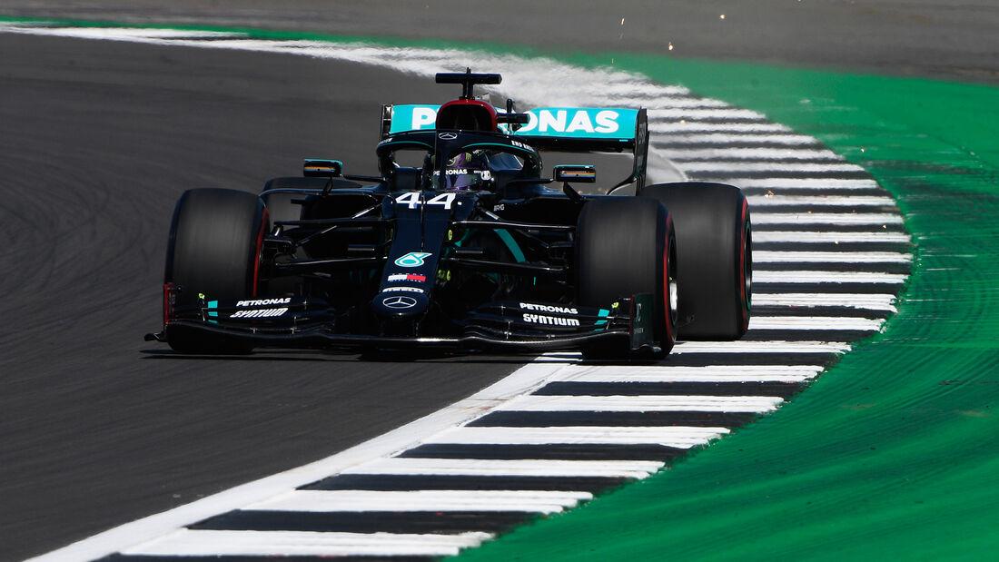 [Imagen: Lewis-Hamilton-Mercedes-Formel-1-GP-Engl...711304.jpg]