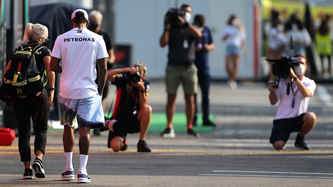[Imagen: Lewis-Hamilton-Mercedes-Formel-1-GP-Span...714785.jpg]