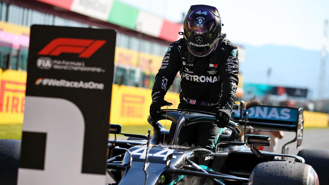 [Imagen: Lewis-Hamilton-Mercedes-Formel-1-GP-Tosk...722694.jpg]