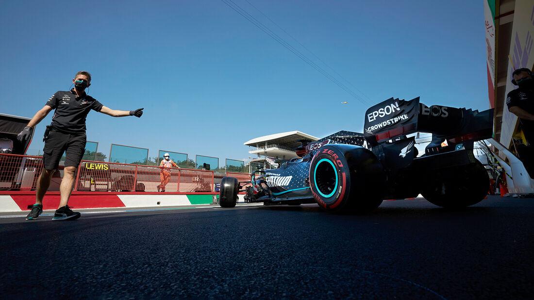 [Imagen: Lewis-Hamilton-Mercedes-Formel-1-GP-Tosk...722701.jpg]