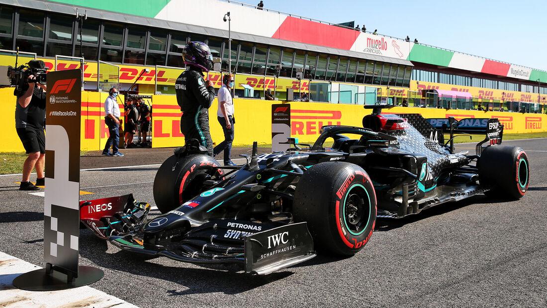 [Imagen: Lewis-Hamilton-Mercedes-Formel-1-GP-Tosk...722695.jpg]