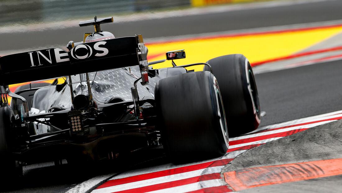 [Imagen: Lewis-Hamilton-Mercedes-Formel-1-GP-Unga...707575.jpg]