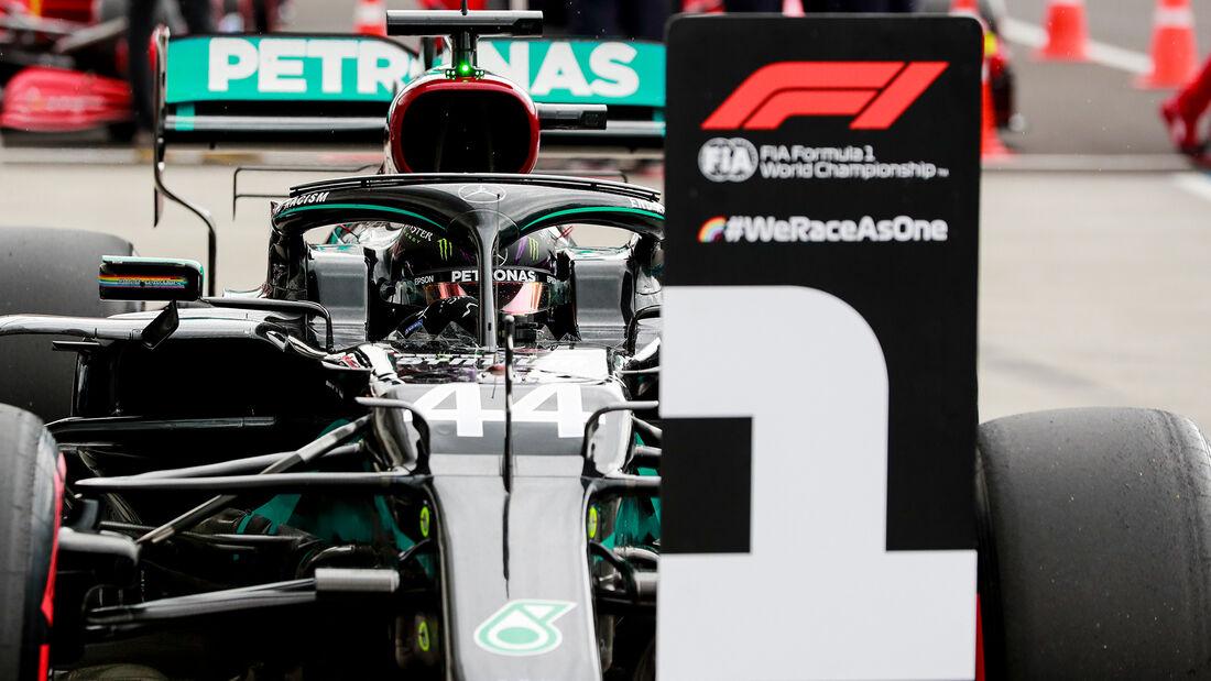 [Imagen: Lewis-Hamilton-Mercedes-Formel-1-GP-Unga...707692.jpg]
