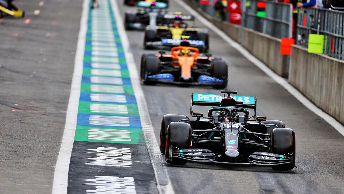 [Imagen: Lewis-Hamilton-Mercedes-GP-Belgien-Spa-F...718554.jpg]