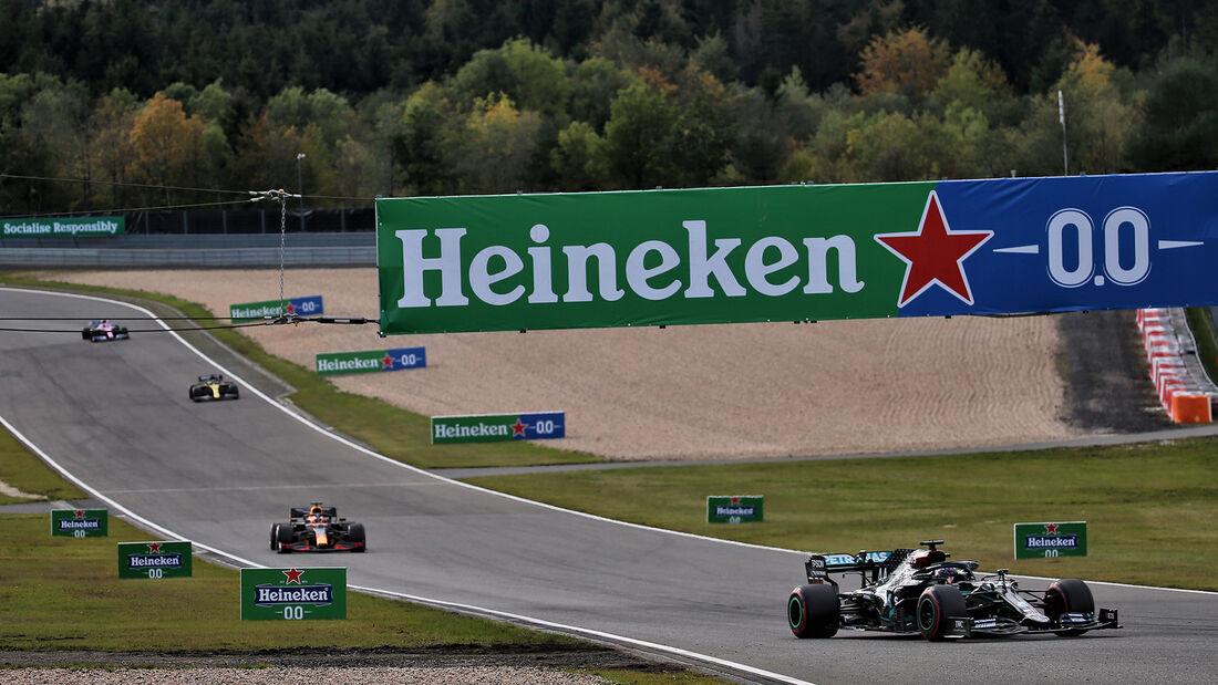 [Imagen: Lewis-Hamilton-Mercedes-GP-Eifel-2020-Nu...731550.jpg]