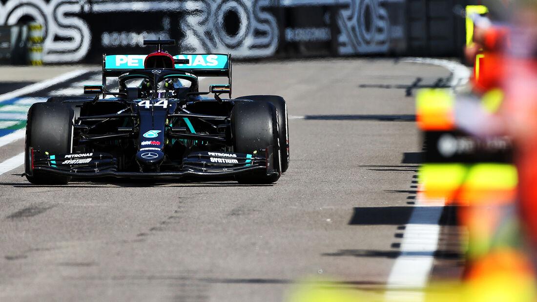 [Imagen: Lewis-Hamilton-Mercedes-GP-Russland-Sots...726691.jpg]